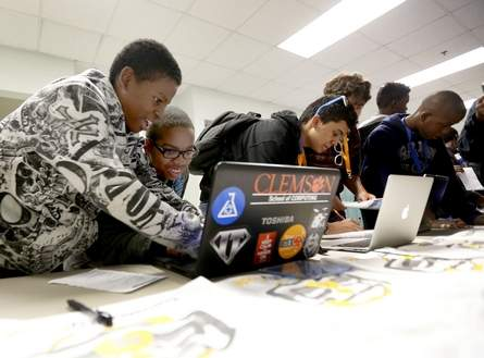 CommunityCode reaches 900 students in Gainesville, FL